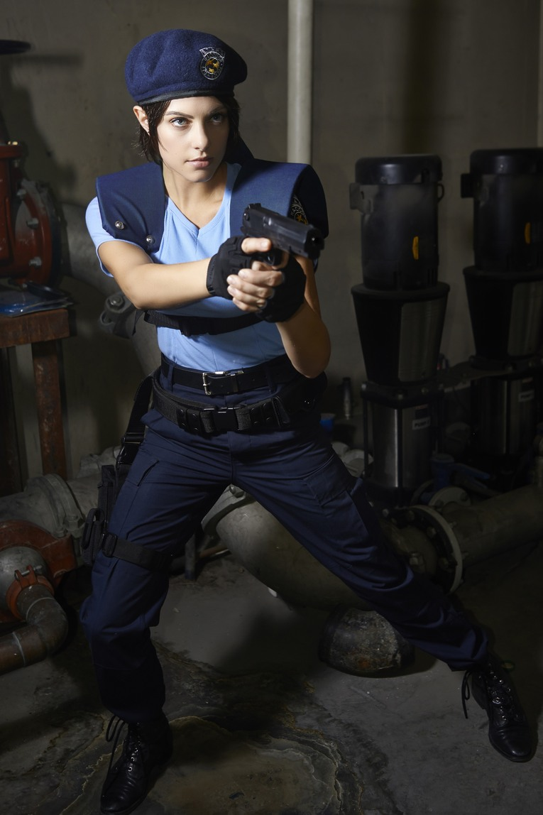 Jill Valentine Actress Cosplays As Jill Valentine Rely On